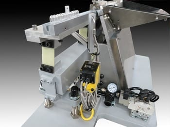 Step Feeder System with Photoelectric Sensor
